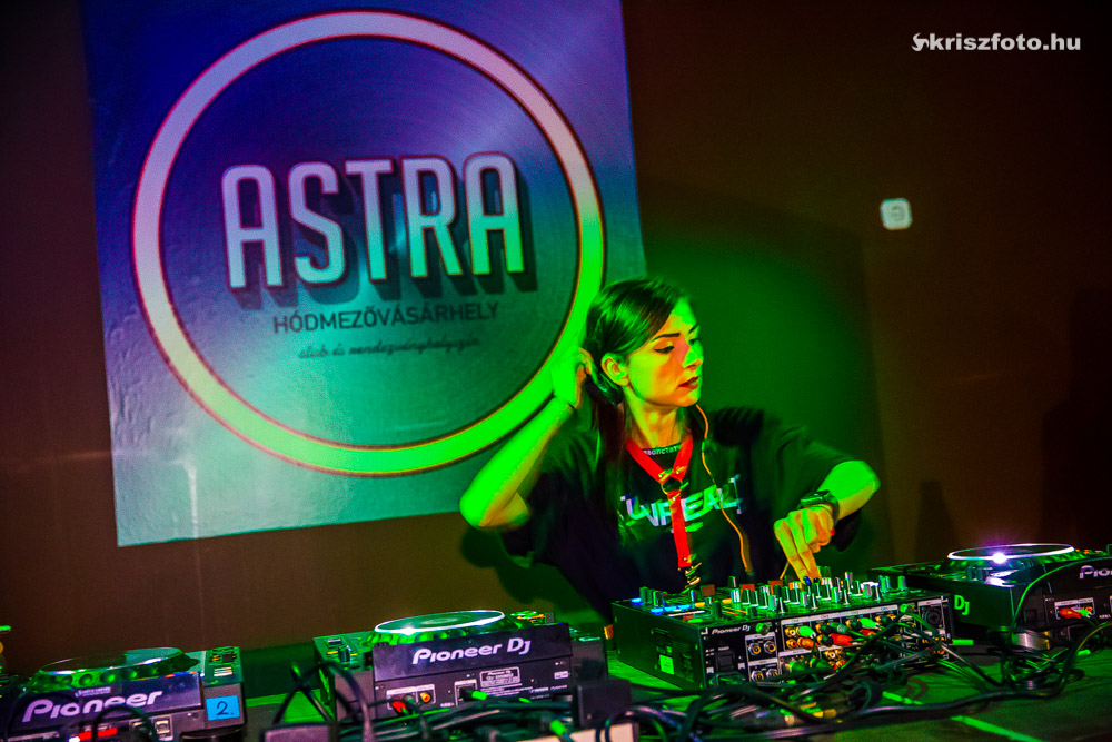 Victoria Franches X Astra Club 12/07